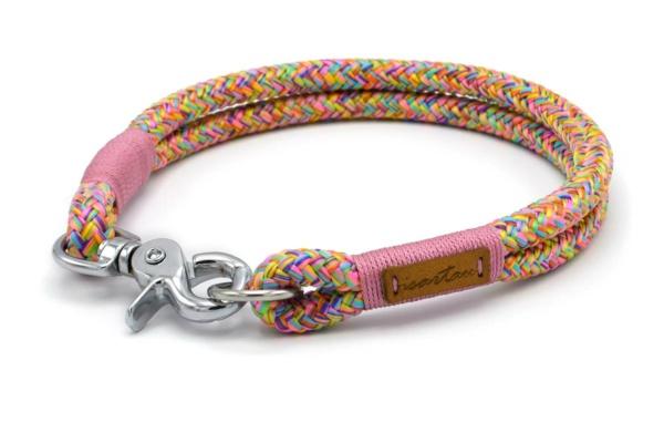 Festes Halsband mit Karabiner mit Takelung in Altrosa