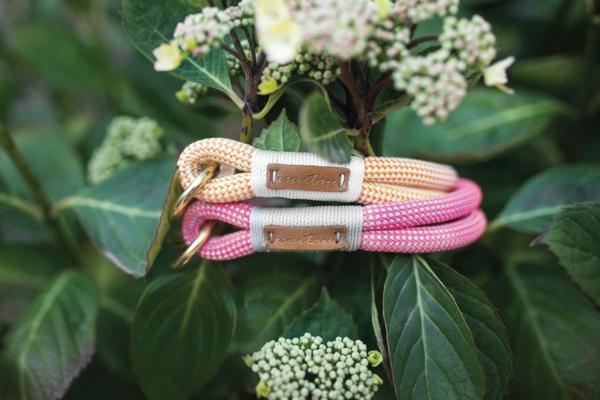 Halsband Farbe Honey Melon (orange-weiß) und Halsband Farbe Honolulu Sunset GHANIMA (rosa-pink)
